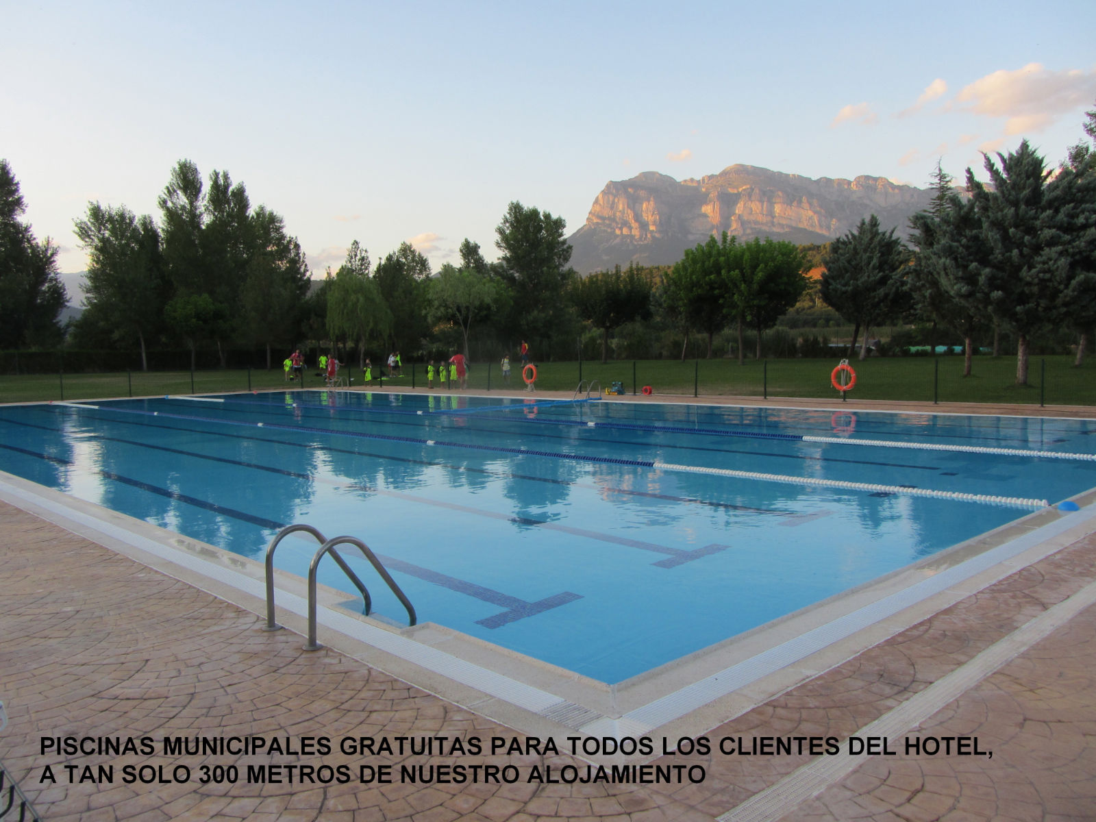 FREE ACCESS TO THE MUNICIPAL POOL